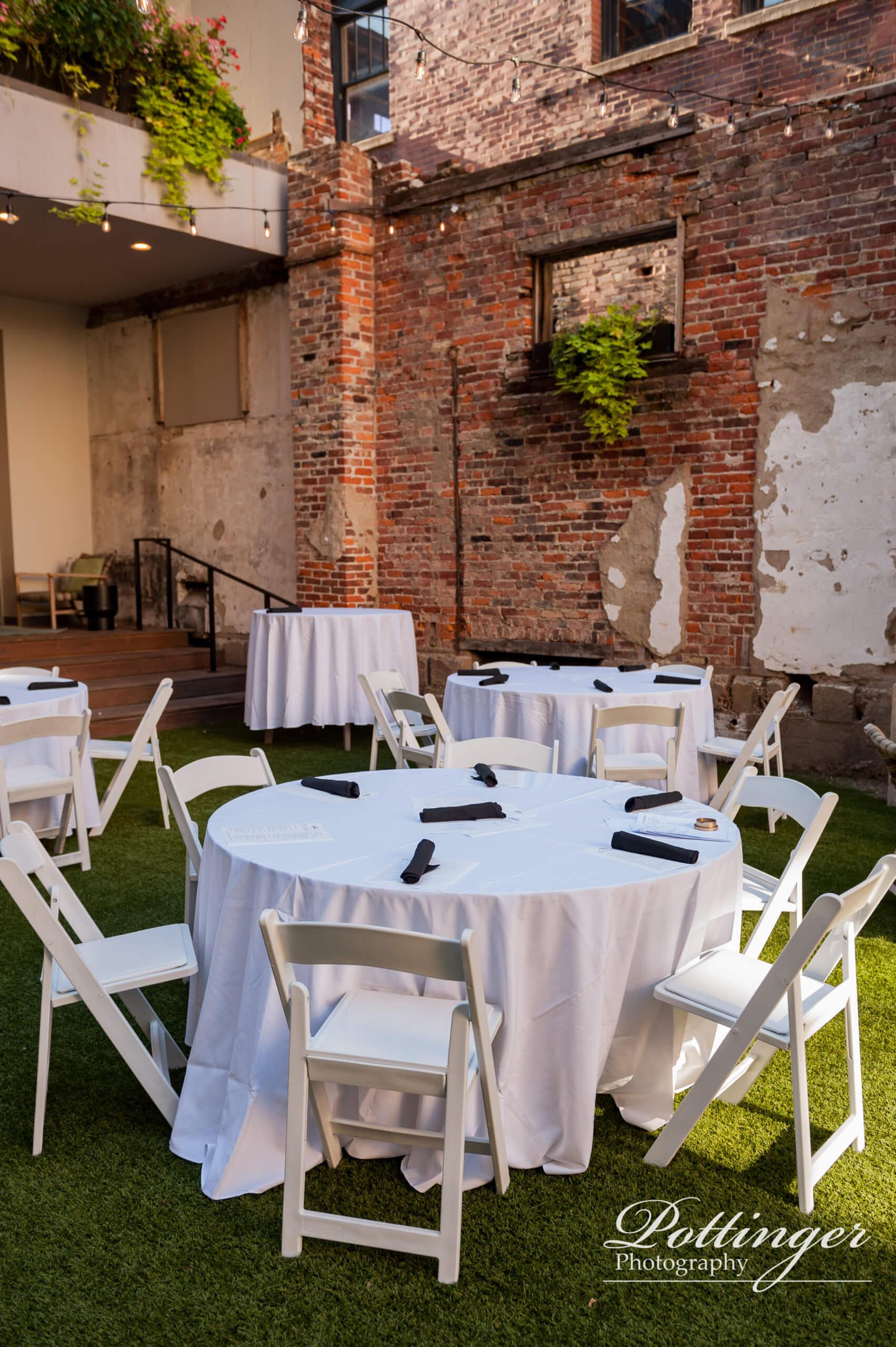 Hotel Covington outdoor reception